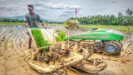Pelatihan Transplanter Dusun Muneng